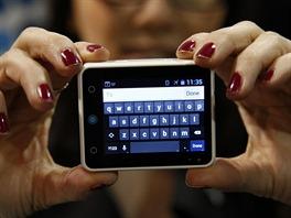 Nejmenší tablet na světě nebo největší chytré hodinky na světě. Neptune Pine.