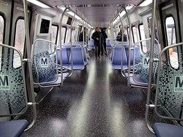 Interiér nových vozů metra pro americkou metropoli Washington.