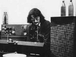 Otakar Alfr�d Michl v Rychnov� v roce 1977 jako �len Plastic People of the