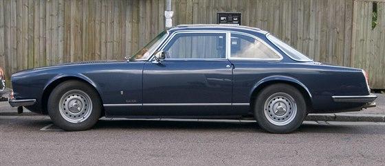 Gordon-Keeble GK1 měl čtyřstupňovou ruční převodovku, motor 5,4 L o výkonu 300...