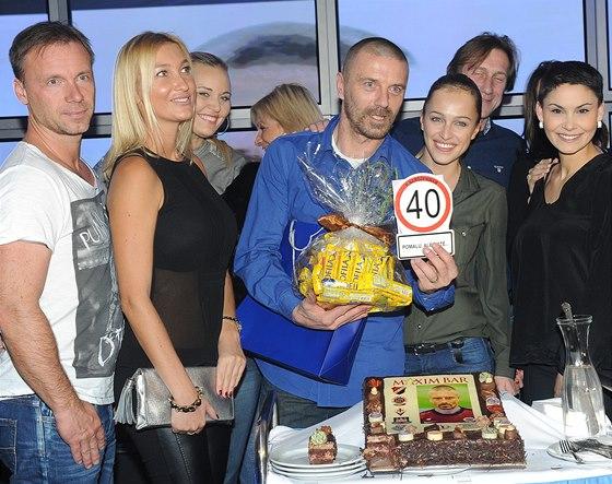 Tomáš Řepka oslavil čtyřicátiny s manželkou i přáteli