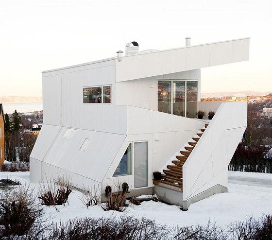 V domě žije třiačtyřicetiletá designérka nábytku Tonja Evangerová a její muž,...