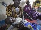Uprchl�k�m ve m�st� Awerial pom�h� humanit�rn� organizace L�ka�i bez hranic....