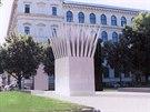 Plastiky symbolizující plameny by měly stát na pražském Palachově náměstí...