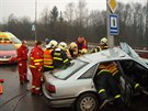 Vyproštění zraněného řidiče bylo náročné.