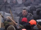 Vitalij Kličko při střetech mezi demonstranty a policií. (19. ledna 2014)