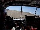 Aleš Loprais řídí svůj kamion ve vítězné desáté etapě Rallye Dakar.