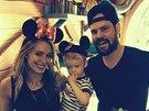 Hilary Duffová s manželem Mikem Comriem a jejich synem