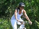 Na kole Obamová ani po padesátce jezdit nepřestane.