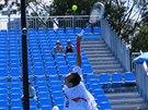 Radek Štěpánek servíruje v prvním kole na Australian Open.