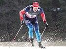 Běžec na lyžích Sergei Ustiugov v kvalifikaci sprintu SP v Novém Městě na Moravě