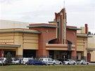 Kino v Tampě na Floridě, kde bývalý policista zastřelil diváka v řadě před