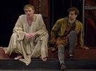 Záběr ze hry Jindřich IV., kterou uvádí pražské Divadlo Na Vinohradech