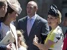 Zara Phillipsová s manželem Mikem Tindallem, s princem Williamem a těhotnou Kate (4. června 2013)