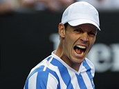 ANO. Tom� Berdych se raduje z postupu do �tvrtfin�le Australian Open.