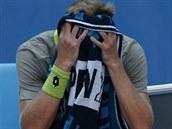 NEJDE TO. Jihoafrick� tenista Kevin Anderson prohr�l s Berdychem i des�t�...