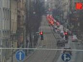 Pohled z kamerového systému na Ječnou ulici chvíli po tři čtvrtě na tři.