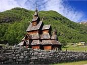 Mezi vyhlášené turistické atrakce Laerdalu patří starobylý dřevěný kostel.