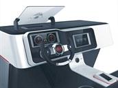 Head up displej nechybí ani u konceptu palubního systému  User-Centered Driver...