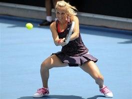 Klára Zakopalová bojuje ve finále turnaje v Hobartu.