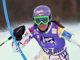 Šárka Strachová v superkombinačním slalomu v Zauchensee.
