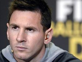 Zamyšlený Lionel Messi.