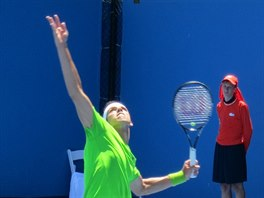 NA PODÁNÍ. Český tenista Jiří Veselý na Australian Open.