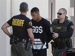 Policie v Los Angeles prohledala dům Justina Biebera a našla v něm kokain....