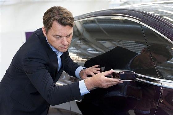 Laurens Van den Acker, šéfdesignér Renaultu s konceptem Initale Paris