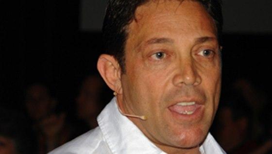 V současnosti se Jordan Belfort živí jako motivační řečník.