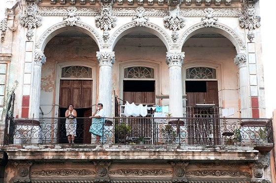 Padesát pět let byla drtivá většina Kubánců stejně chudá. To se teď bude rychle...