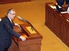 Miroslav Kalousek ve Sněmovně, přihlíží šéf ANO Andrej Babiš (21. ledna 2014)