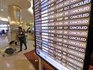 Mezinárodní letiště Louise Armstronga v New Orleansu zrušilo tři tisíce letů,...