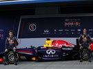 Usměvaví hoši z Red Bullu.Sebastian Vettel (vlevo) a Daniel Ricciardo při