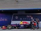 Sebastian Vettel (vlevo) a Daniel Ricciardo při prezentaci vozu RB10.