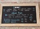 Na tabuli najdou hosté zajímavé speciality a akční nabídky.