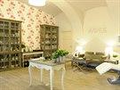 Interiér salonu Avenue v pražské Anenské ulici