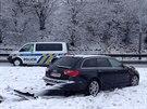 Ukadené audi havarovalo při sjezdu z D1 na Mirošovice (22.1.2014)