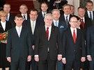 Prezident Miloš Zeman na společné fotografii s premiérem Bohuslavem Sobotkou a
