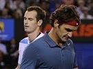 ROZCHOD. Roger Federer (vpravo) a Andy Murray ve �tvrtfin�le Australian Open.