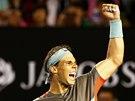 VÍTĚZSTVÍ. Rafael Nadal oslavuje po semifinále Australian Open.
