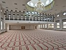 Hlavní modlitebna nové mešity v Brierfieldu