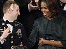 Michelle Obamová a vedle ní veterán z Afghánistánu Cory Remsbur´g