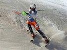 Norský slalomář Henrik Kristoffersen bojuje s tratí Světového poháru ve