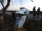 Dopravní nehoda mezi Novým Bydžovem a Skochovicemi na Hradecku (19.1.2014).