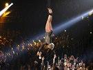 Zpěvačka Pink během vystoupení na 56. udílení cen Grammy (26. ledna 2014)