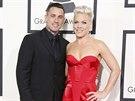 Zp�va�ka Pink a jej� man�el Carey Hart na cen�ch Grammy (Los Angeles, 26. ledna...