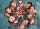 Finalistky soutěže Česká Miss 2014 v bazénu
