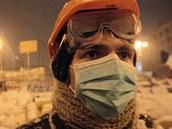 Jeden z protestujících v kyjevských ulicích. (22. ledna 2014)