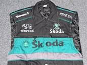 Zabavený padělek pracovní bundy s logem Škoda.